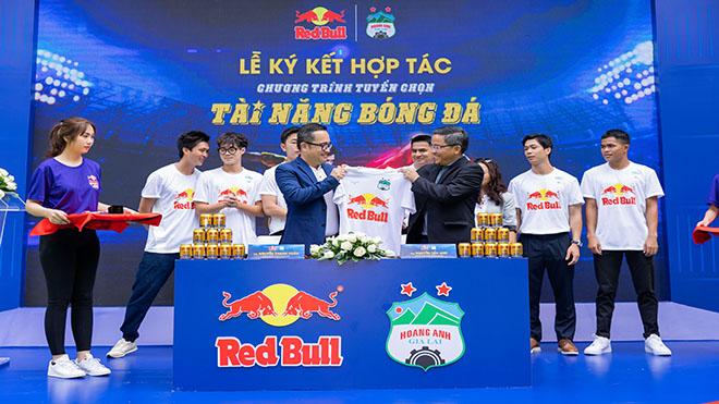 HLV Kiatisuk tin tuyển Việt Nam hơn Thái Lan ở vòng loại World Cup