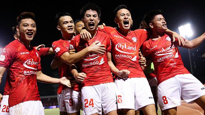 bóng đá, tin bóng đá, tin tuc bong da, bóng đá Việt Nam, bóng đá hôm nay, Nguyễn Minh Châu, V-League 2021 hoãn, Lee Nguyễn, TPHCM, HLV Polking
