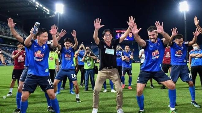 Dusit, bóng đá, tin bóng đá, tin tuc bong da, bóng đá Việt Nam, bóng đá hôm nay, HAGL, Kiatisuk, Thai League, V-League 2021, V-League trở lại