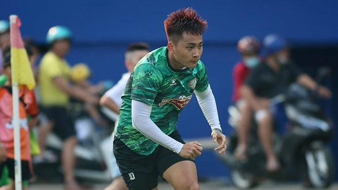 Tiền đạo Hồ Tuấn Tài trở lại nhưng không biết sẽ đá ở vị trí nào ở TPHCM hiện tại. Ảnh: TPHCM