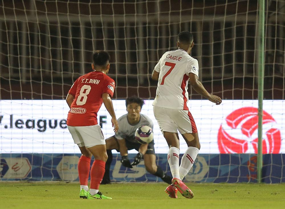TPHCM 1-1 Viettel, Bùi Tiến Dũng, thủ môn Bùi Tiến Dũng, V-League, BXH V-League, lịch thi đấu vòng 11 V-League, TPHCM vs Hải Phòng, kết quả bóng đá V-League