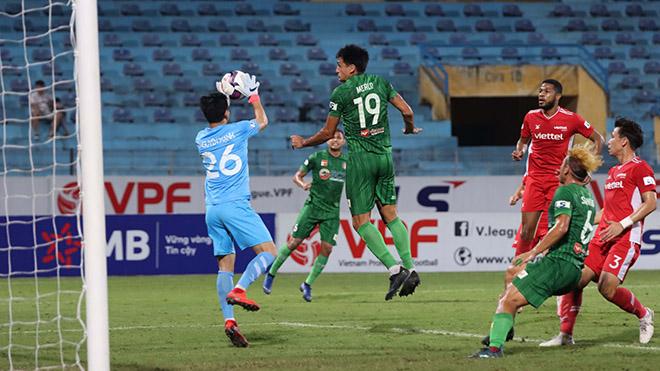 Đỗ Merlo hết hơi với lịch thi đấu dày đặc năm nay và khiến Sài Gòn FC thua cả 4 trận liên tiếp. Ảnh: SGFC