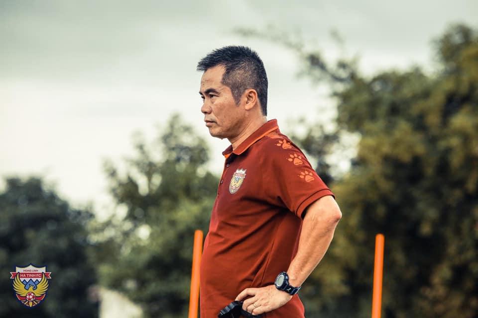 """bóng đá, tin bóng đá, bóng đá Việt Nam, bóng đá hôm nay, Hồng Lĩnh Hà Tĩnh, HLV Phạm Minh Đức, tin bóng đá, tin tuc bong da, bóng đá Việt Nam hôm nay, """"Mourinho Việt Nam"""", V-League 2021"""