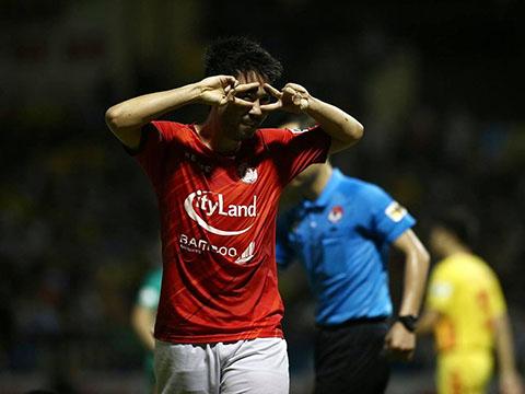 Lee Nguyễn lại 'gánh team' tại CLB TPHCM