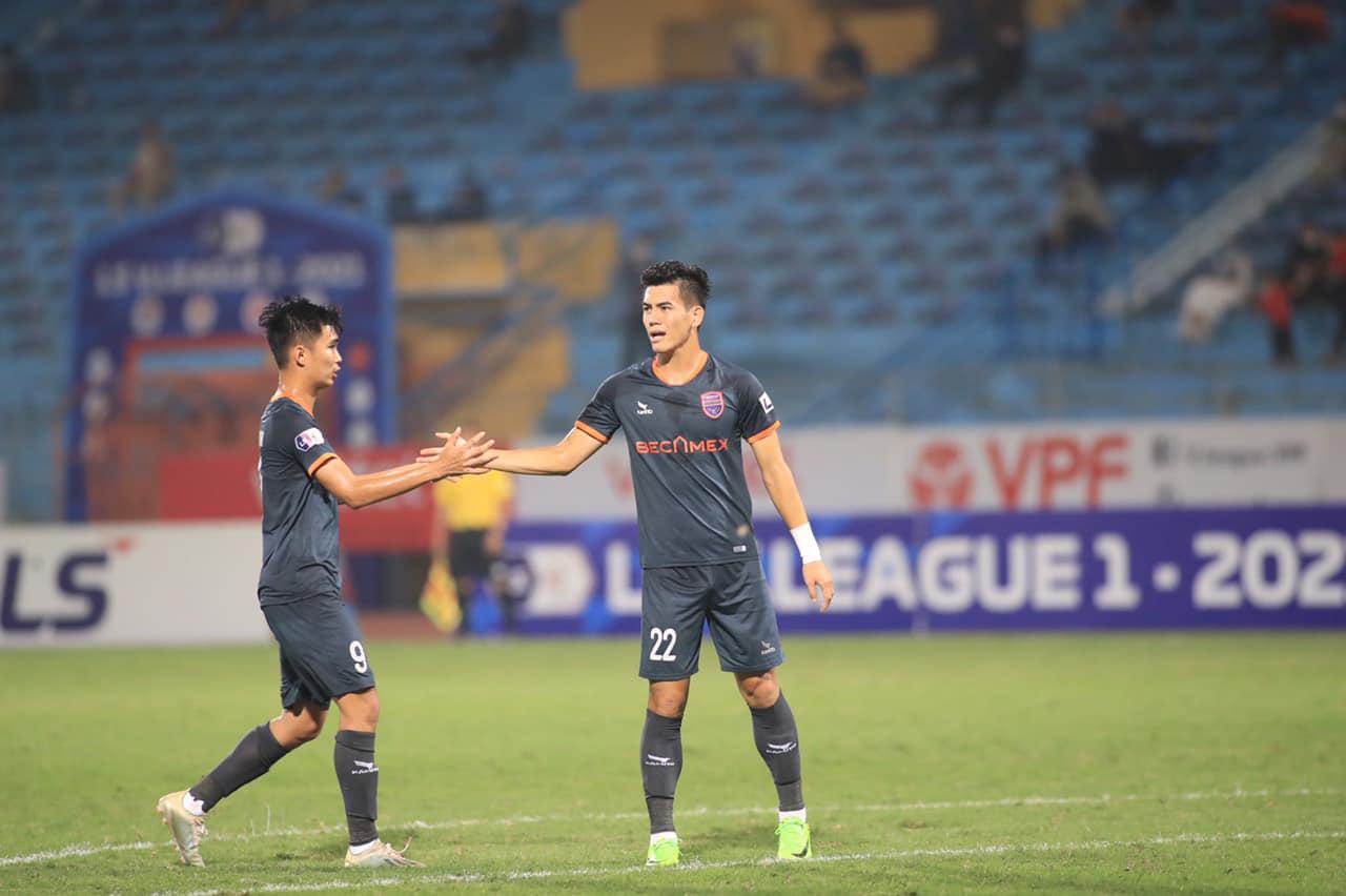 Tiến Linh đã ghi hat-trick chiều 8-4 để giúp B.Bình Dương đánh bại Nam Định 4-3 ở vòng 8 V-League 2021. Ảnh: BBD