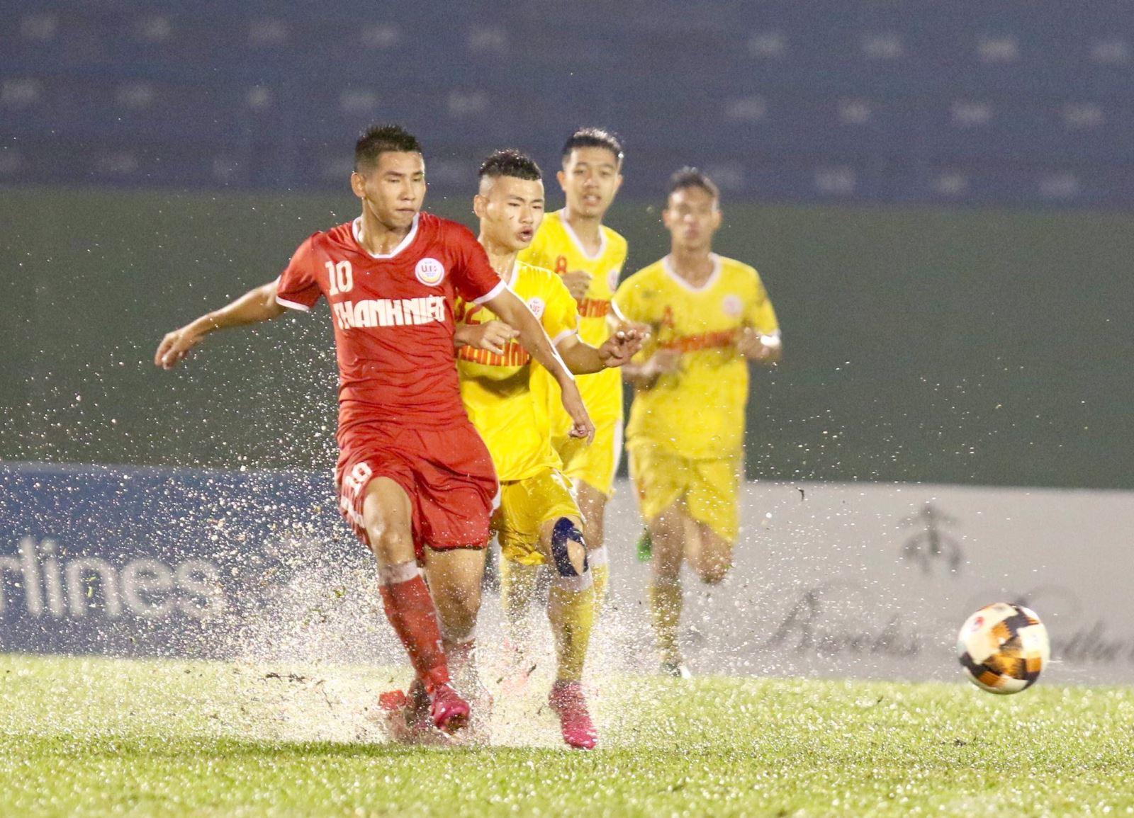 Hà Nội FC của bầu Hiển tiếp tục đón tin buồn khi đội U19 bị loại khỏi VCK U19 QG 2021. Ảnh: Khả Hoà