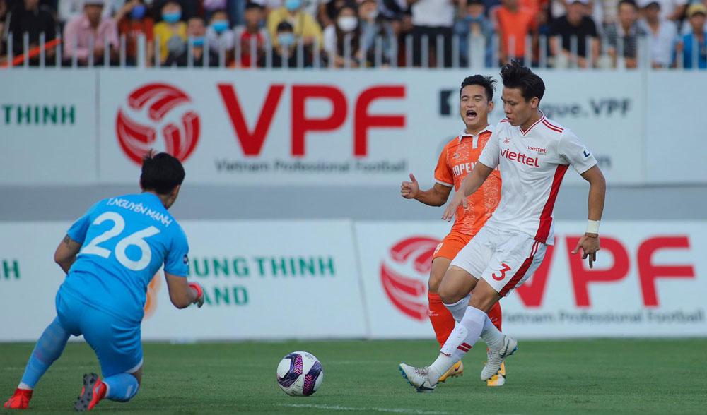 Ngọc Hải cùng Trọng Hoàng và có thể Pedro Paulo sẽ tái xuất với Viettel khi gặp đối thủ bị đánh giá yếu hơn Kaya FC ở lượt trận 2 AFC Champions League 2021. Ảnh: VPF