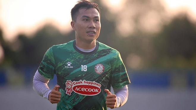 Lee Nguyễn lại phải chia tay đồng đội