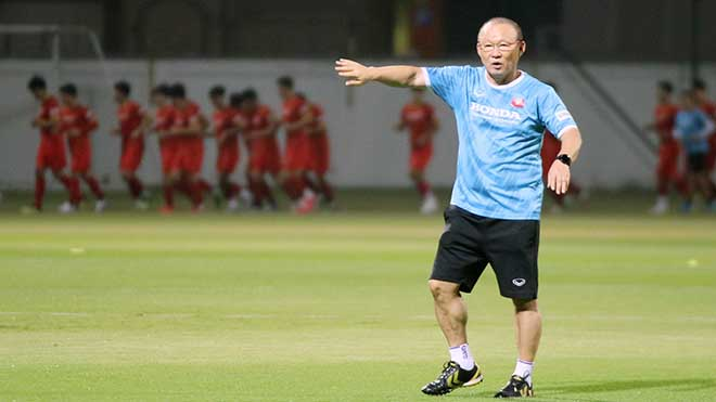 HLV Park Hang Seo có rất nhiều mối lo sau trận thua Saudi Arabia. Ảnh: VFF