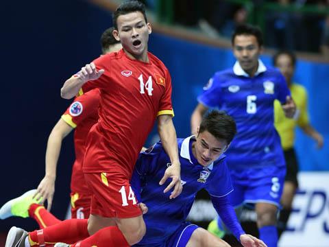 Việt Nam (đỏ) hy vọng sẽ gặp Thái Lan ở chung kết giải năm nay. Ảnh: Q.L