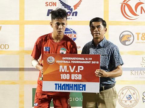 Minh Bình là cầu thủ ấn tượng nhất của U19 HAGL hiện tại. Ảnh: Anh Lập