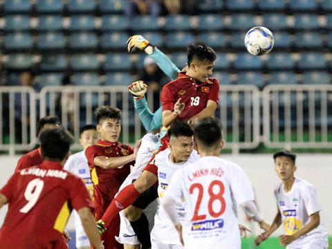 U19 tuyển chọn Việt Nam quá vượt trội so với các đối thủ ở giải năm nay. Ảnh: Anh Lập