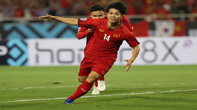 Công Phượng ăn mừng bàn thắng vào lưới Malaysia ở Mỹ Đình ngày 16-11-2018. Ảnh: Hoàng Linh