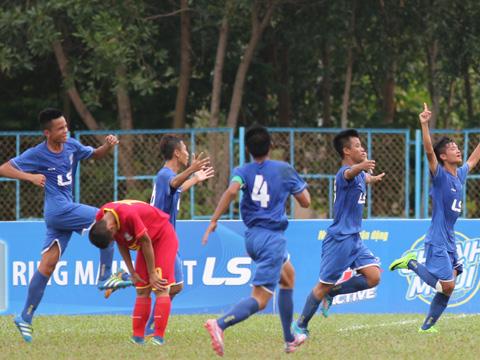 Niềm vui chiến thắng của các cầu thủ PVF. Ảnh: Quang Phương