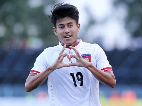 Aung Hein giúp U21 Myanmar có 3 điểm đầu tiên khiến cục diện giải đấu năm nay rất căng thẳng. Ảnh: Anh Lập