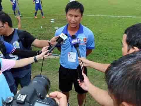 HLV Đinh Hồng Vinh chia tay HAGL để tìm kiếm thử thách tiếp theo trong sự nghiệp. Ảnh: Duy Anh