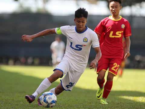 Đội trưởng Bảo Toàn ghi bàn thắng ấn định chiến thắng 2-1 trước Hà Nội giúp HAGL có trận thắng đầu tay. Ảnh: Quang Phương