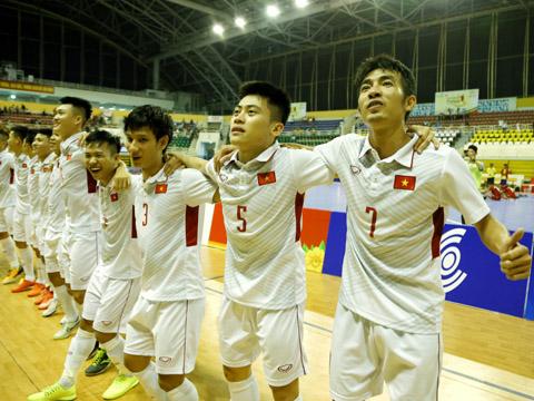 Trọng Luân, Ngọc Sơn, Quốc Nam, Văn Vũ (từ phải qua) vẫn là những niềm hy vọng lớn của futsal Việt Nam. Ảnh: HK