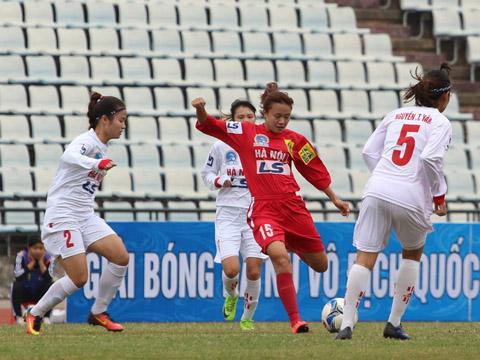 Hà Nội 1 đòi lại vị trí nhì bảng từ tay chủ nhà Phong Phú Hà Nam bằng chiến thắng đậm vòng 8. Ảnh: Duy Anh