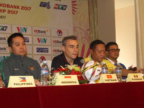 HLV Rodrigo tỏ ra không mấy tự tin về cơ hội vô địch của Việt Nam ở giải năm nay. Ảnh: L.H