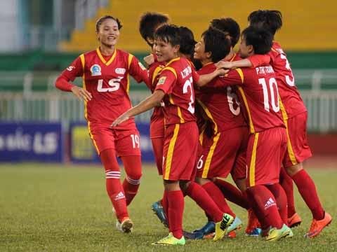 Với chiến thắng tối thiểu trước Phong Phú Hà Nam tối 24/11, TP.HCM 1 đã có đến 12 chiến thắng trong mùa giải năm nay. Ảnh: Duy Anh
