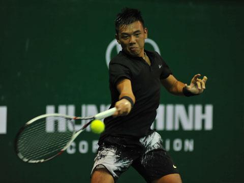 Hoàng Nam phải nỗ lực rất nhiều để không bị đào thải khỏi top 500 ATP. Ảnh: VT