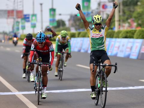 Tay đua Lê Nguyệt Minh thắng chặng 1. Ảnh:BM