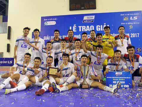 Thái Sơn Nam thâu tóm nốt danh hiệu lớn cuối cùng sân chơi quốc nội năm nay. Ảnh: H.T