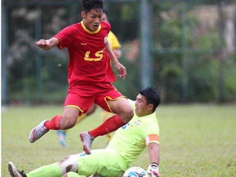 Thủ môn xuất sắc nhất giải năm ngoái của Đồng Tháp - Nhật Trường đã phải sớm chia tay giải đấu. Ảnh: Quang Phương