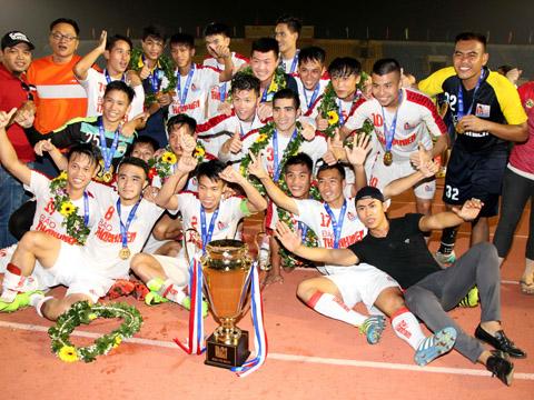 Chức vô địch U21 QG 2017 giúp HAGL áp đảo quân số ở U21 Việt Nam dự giải U21 Quốc tế tại Cần Thơ từ ngày 12/12 với 10/21 cầu thủ. Ảnh: Anh Hòa