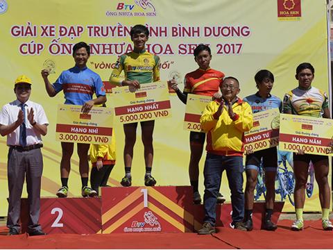 Tay đua trẻ Hà Kiều Tấn Đại làm nên bất ngờ lớn nhất chặng 4. Ảnh: Lê Huy