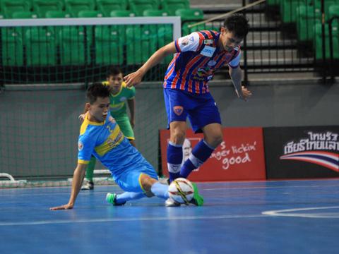 Đình Hùng và các đồng đội Sanna Khánh Hòa không thể làm nên chuyện lớn cho futsal Việt Nam. Ảnh: Vương Anh