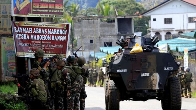 Tổng thống Philippines giải thích vì sao vẫn chưa giành lại Marawi