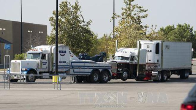 KINH HOÀNG: 178 người bị nhồi nhét trong một xe tải buôn người
