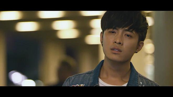 'Soái ca' Gin Tuấn Kiệt đốn tim fan với MV 'ngôn tình' ở Hong Kong