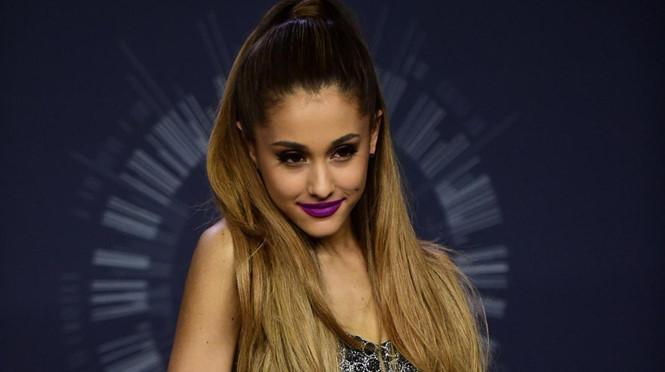 BTC show Ariana Grande: Mong khán giả thông cảm và bình tĩnh