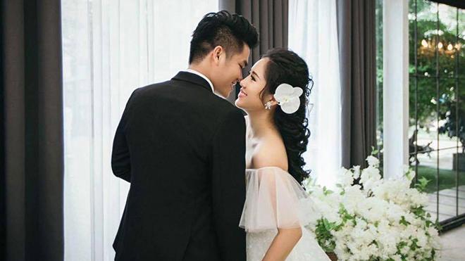 Đám cưới Lê Phương và bạn trai kém 7 tuổi: Tình như tia nắng!