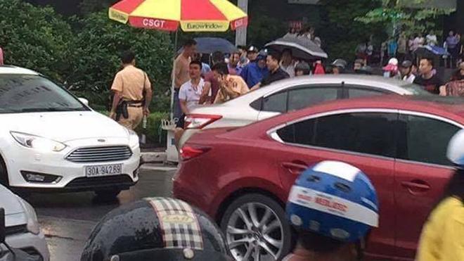 Khởi tố kẻ hành hung cảnh sát giao thông bằng gậy golf
