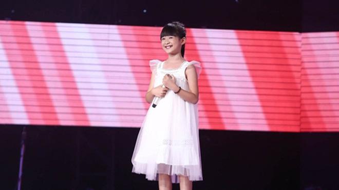 'The Voice Kids' tập 4: 'Thiên thần' hát nhạc Adele khiến Soobin, Hương Tràm phải show hết chiêu trò