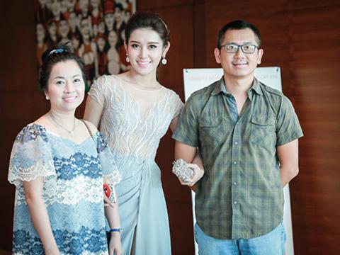 Hoa hậu Hòa bình Thế giới 2017: Á hậu Huyền My và gia đình 'khủng hoảng' trước giờ G
