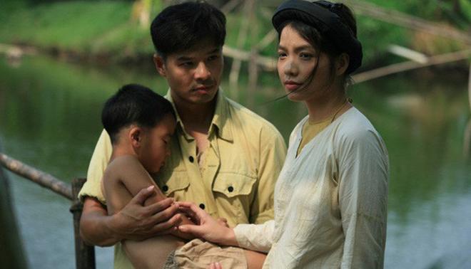 Bạn diễn trong 'Thương nhớ ở ai' chỉ mặc áo yếm, Lâm Vissay không mất tập trung