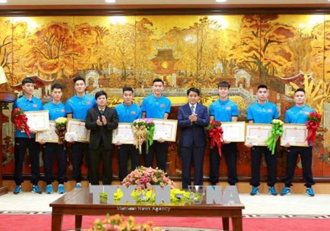 Chủ tịch Hà Nội Nguyễn Đức Chung khen thưởng Đội U23 Việt Nam, HLV Park Hang Seo