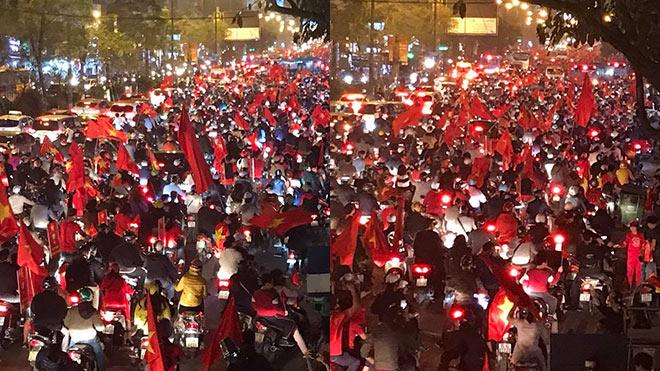 VIDEO Thắng Qatar, U23 Việt Nam vào Chung kết: Người hâm mộ đang nhuộm đỏ Hà Nội