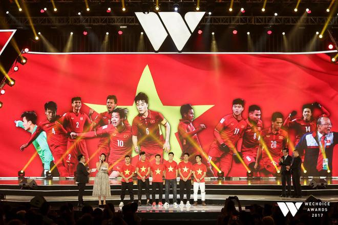 Gala WeChoice Awards 2017: U23 Việt Nam bất ngờ được vinh danh Đại sứ truyền cảm hứng thứ 6