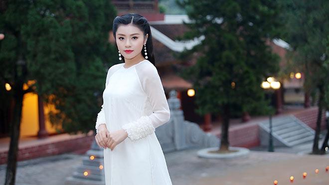Xúc động xem MV nhạc Phật của 'Sao Mai' Thu Hằng