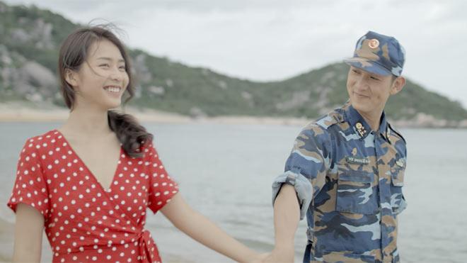 VIDEO 'Hậu duệ mặt trời Việt Nam' công bố nhạc phim 'Bên em là anh' ngọt lịm