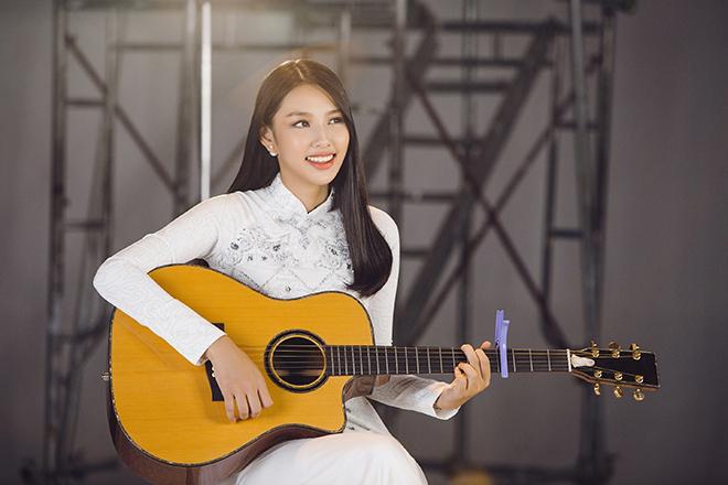 Clip Thùy Tiên gửi Miss International 2018: Không giấu chuyện bố mẹ ly hôn, phải làm đủ nghề kiếm sống