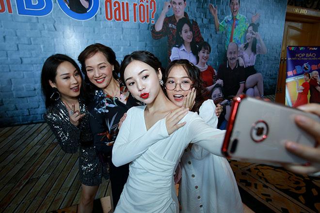 VIDEO Sau 'Quỳnh búp bê', em gái Lan 'cave' tái xuất trong 'Mẹ ơi bố đâu rồi?'