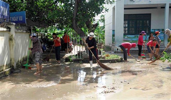 Khánh Hòa lo lại hứng bão số 9 ngay sau khi 18 người chết vì bão số 8