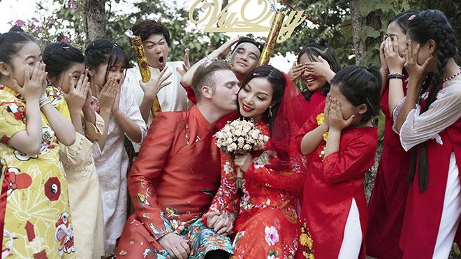 Kyo York và Khánh Loan tổ chức đám cưới trong MV nhạc Xuân